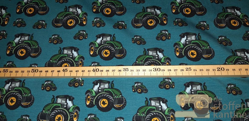 Tricot Mattes Swafing tractor petrol