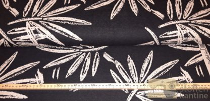 Swafing chalk leaves knitted